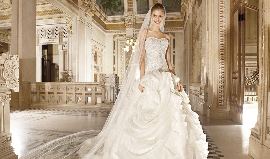 Menyasszonyi ruhák széles választékban f3b45b9f4f