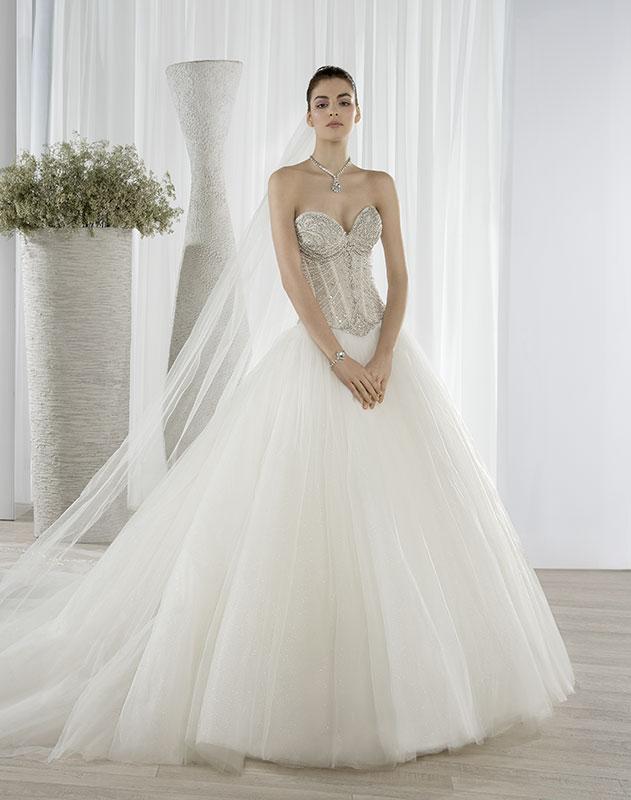 0f7903a3ea Demetrios 651 menyasszonyi ruha különleges, fűzős, pánt nélküli ...