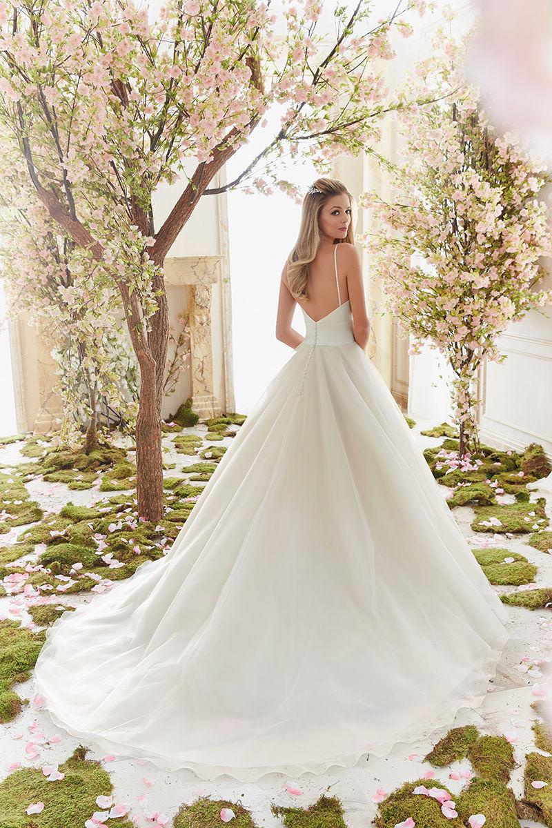 Mori Lee 6831 menyasszonyi ruha - Royal Szalon Kiskunhalas 1f3af85520